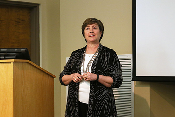 Cooke Encourages Nurse Practitioner Advocacy and Leadership